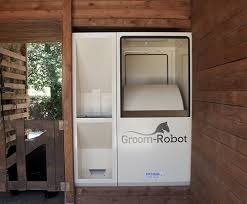 Groom Robot, the complete feeding system.